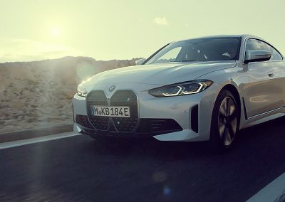 bmw-i4-edrive-40-onepager-gallery-i4-videos-01